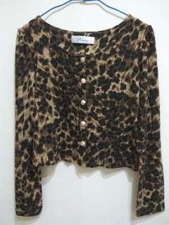 🚚 (全新) PAZZO 豹紋磨毛 金釦長袖外套