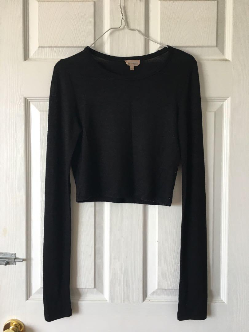 Aritzia Black Cropped Knit Long Sleeve