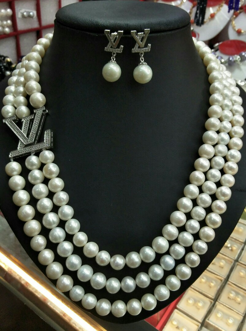 Freshwater Pearl Necklace Earring Set Preloved Women S Fashion