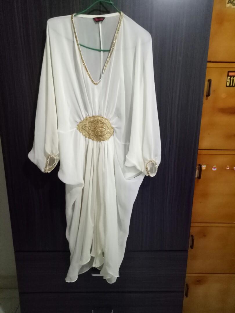 c537e0e832 Kaftan Beige with Gold details, Women's Fashion, Muslimah Fashion on ...