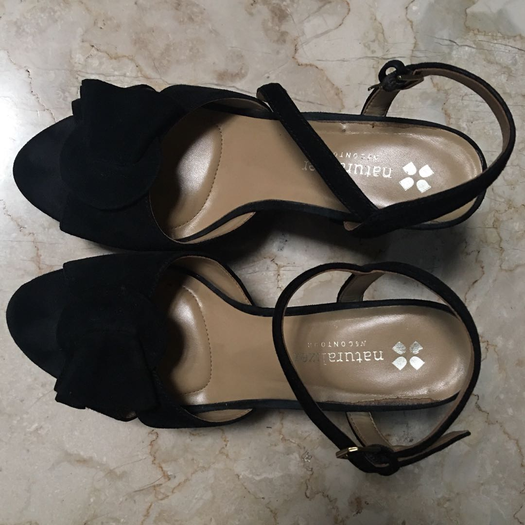9fa22dc7ad28 NATURALIZER Velvet Black Strap-on Heels