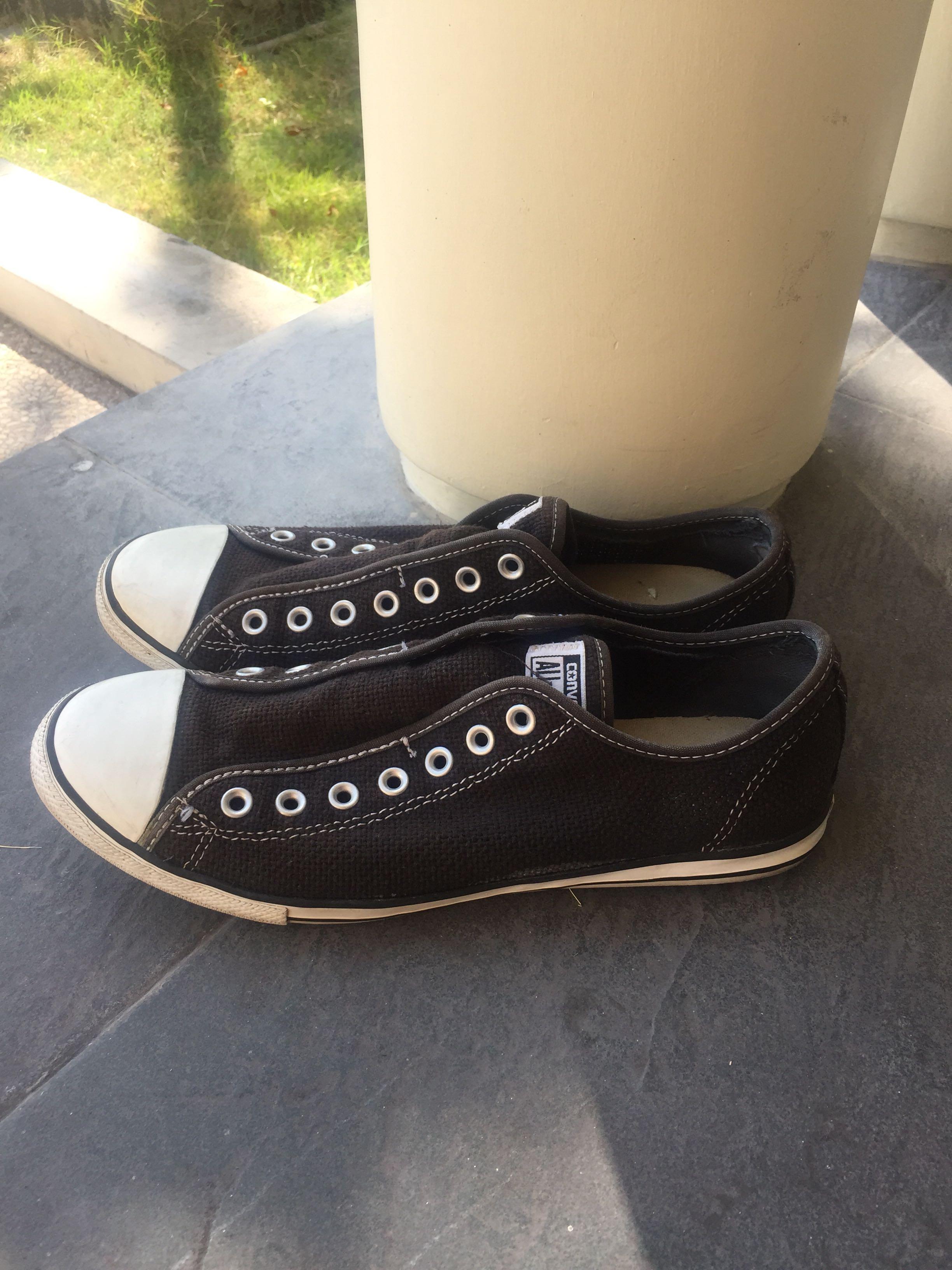Sneaker Converse Black Preloved Fesyen Pria Sepatu Di Carousell