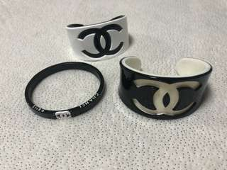 Chanel cuff bangles bracelets set 3x lot of 3 black white cc designer logo