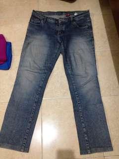 Celana jeans cardinal good condition muat 31-32