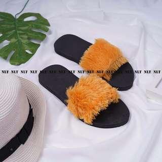 Sandal bulu cantik