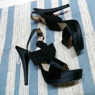 Nine West Heel Sandals Size 9