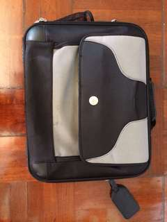Dell pre-owned Nylon Deluxe Laptop Carrying Case