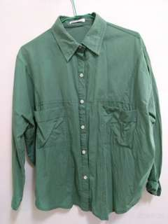 🚚 綠色襯衫