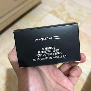 MAC Mineralize Foundation/Loose shade MEDIUM