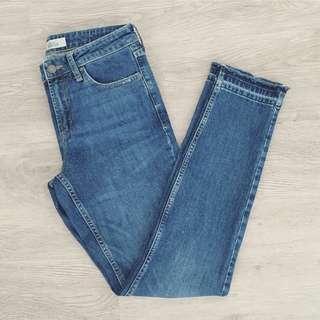 """TOPSHOP """"Let Hem"""" Baxter Jeans"""