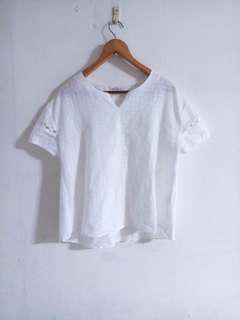 🚚 民族風白色小v領上衣