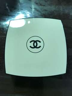 Chanel Healthy Glow Luminous Powder