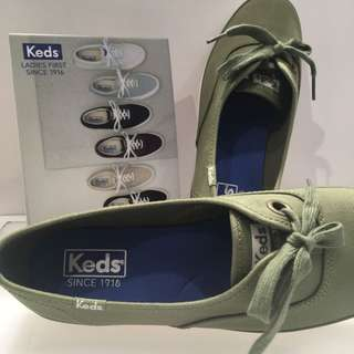 Brand New Keds Women Breeze Olive