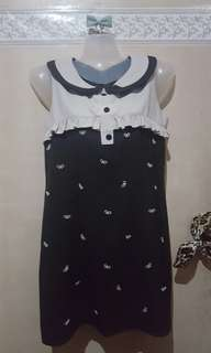Dress with ribbon pearls