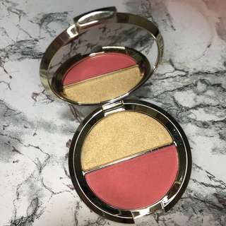 jaclyn hill x becca splits in prosseco pop and pamplemousse