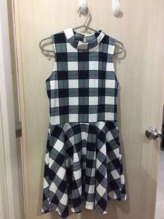 Sleeveless Checkered Dress