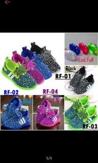 Sepatu kets import anak