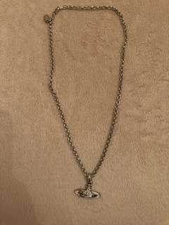 Vivienne Westwood's necklace