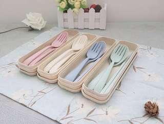 🚚 Eco-Friendly Wheat Portable 3pc Utensil Tableware