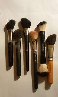 Angled Brush for Contour And Blush Shu Uemura Blueberry Dior Mac 167 Make Up For Ever