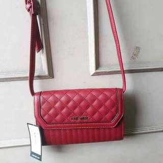 Nine West Sling Bag. 100% Original from US. Money back guarantee po pag napatunayan na fake. 😊