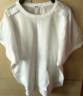 🚚 新出清、白色棉麻泡泡袖衣