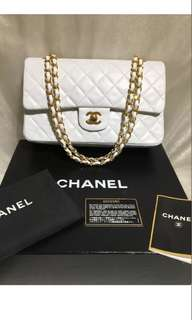 Chanel white Lambskin Shoulder Bag with gold hardware