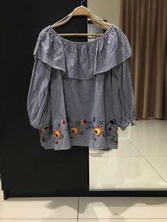 Zara Woman Off Shoulder Patterned Top (Size S up to M)