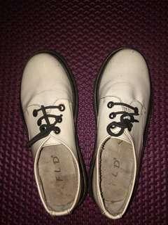 Sepatu boots dr. Martens