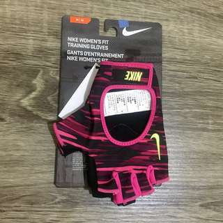 ❗️NEW ARRIVAL❗️NIKE Women's Fit Training Gloves