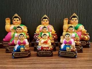 招财肥婆女神  Kruba Ariyachat , Wat Sang Kaew Phothiyan - Superb Rich Rich Rich Of Resin Bucha -Mae Nang Kwak Mahalap With Peafowl Yant Coin BE 2552
