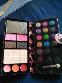MAKEUP BEAUTY KIT