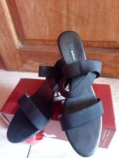 heels juliar black