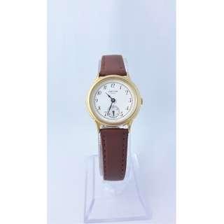 日製VEGA圓形白白金框小秒針時尚石英女錶