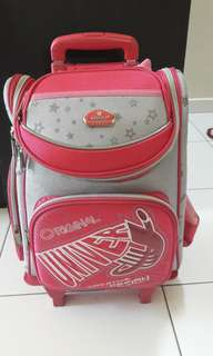 School bag with troller