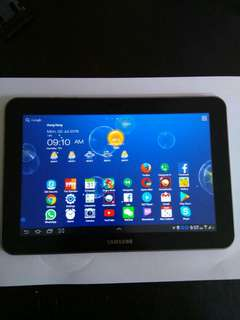 Samsung Galaxy Tab 8.9  (Sim 3g)  good condition  16 gb .  Include charger and cable.