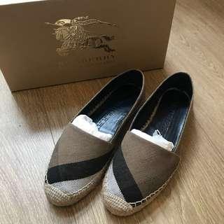 🚚 Burberry草編鞋