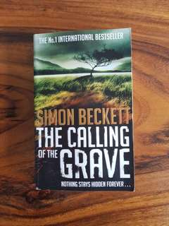 The Calling of the Grave ~ Simon Beckett