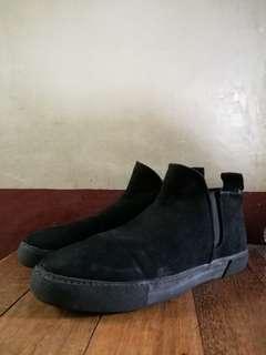 Zara Men High Cut Suede shoes