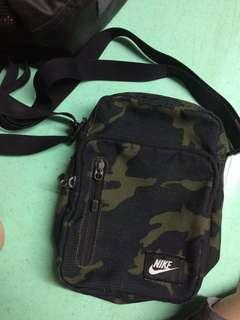 Nike sling bag camouflage
