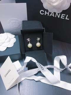 [正品]Chanel 珍珠耳環100%real 100%new