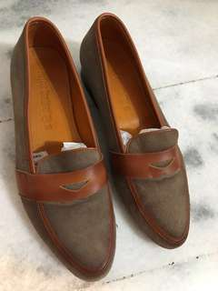 Woman Oxford leather slip on