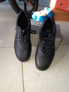 Safety shoes merek BATA size 42
