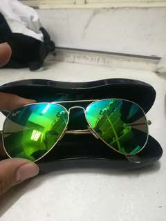 Ray Ban Aviator 100% Authentic from Italy. Rush rush pm me fast.
