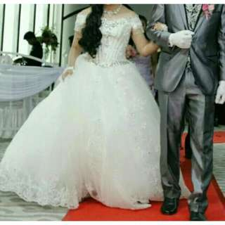 Sewa Gaun Pengantin Surakarta Size bisa S sampai M (LD 84 - 91 cm)