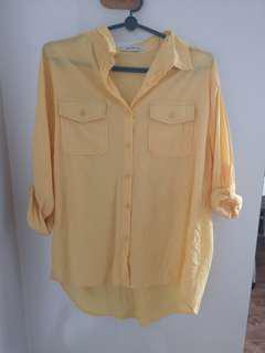 🚚 Hollyhoque yellow pocket shirt