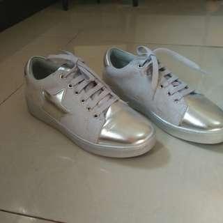 sepatu vizzano silver