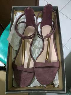 REPRICE!!! Charles and Keith sepatu like new
