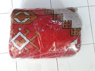 Karpet praktis lembut merah