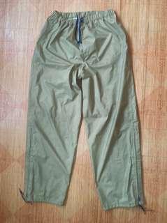 Gore-Tex Rain Wear Waterproof pants size L Hiking Camping Outdoor